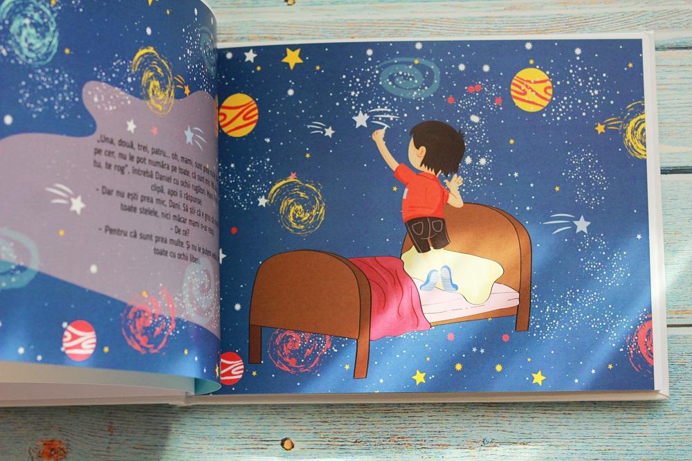 Carti personalizate despre luna